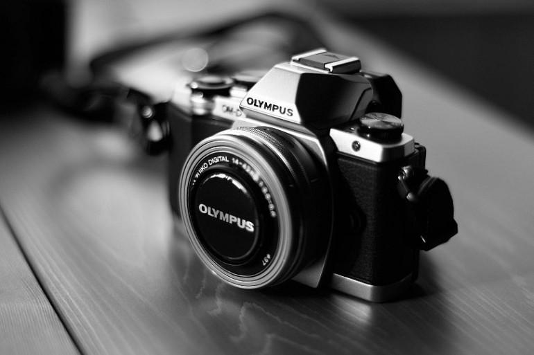 camera-541213_1920-810x540