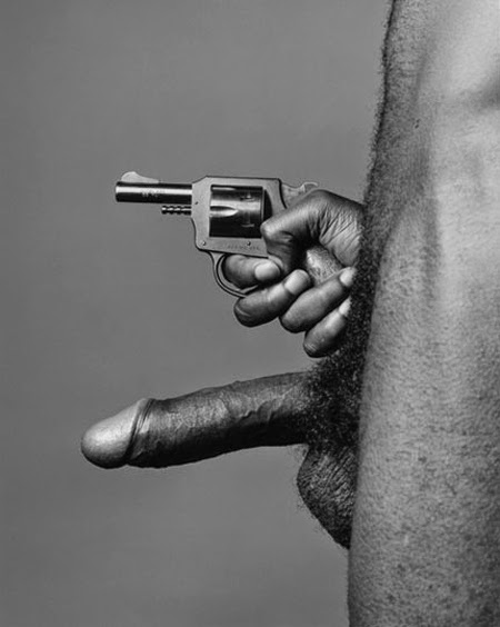 mapplethorpe_gun